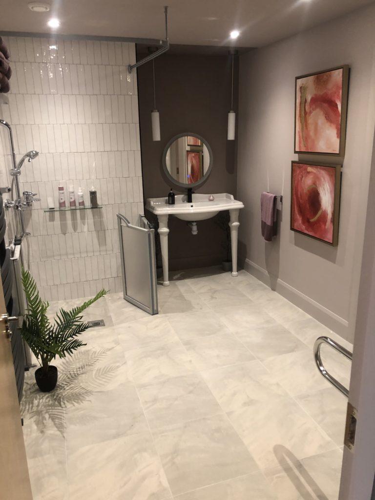 Amy's stunning bathroom.